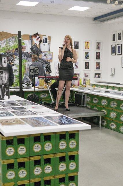 Ausstellung Lichtwert Fotowoche Band Bierkisten f